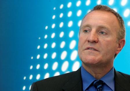 Putin gives Russian citizenship to Novateks finance chief, a U.S. national