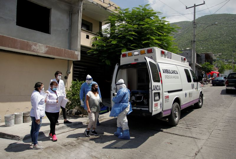 Mexicos coronavirus death toll passes 53,000 mark
