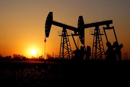 Oil jumps over 2% as Saudi Arabia, Russia back supply cuts