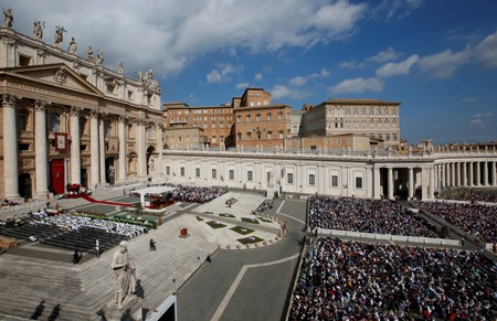 Vatican financial control office director, four others suspended: report