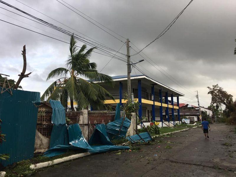 Philippine typhoon Phanfone ruins Christmas for travelers, evacuees