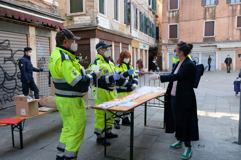 Number of coronavirus intensive care patients in Italy drops for first time