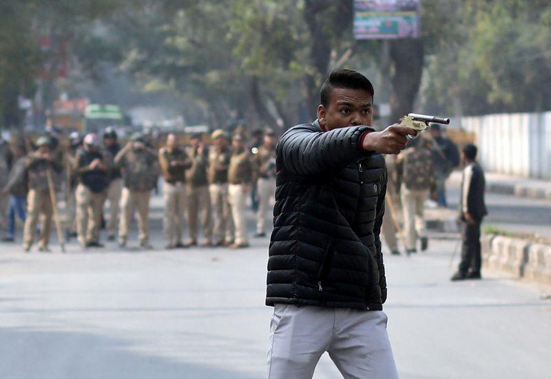 A gunman shoots at New Delhi protesters