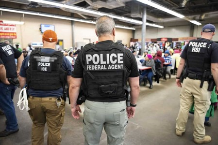 Scores from Mexico, Guatemala detained in Mississippi raids