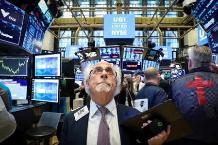 Wall St. drops as Apple falls, Fed eyed