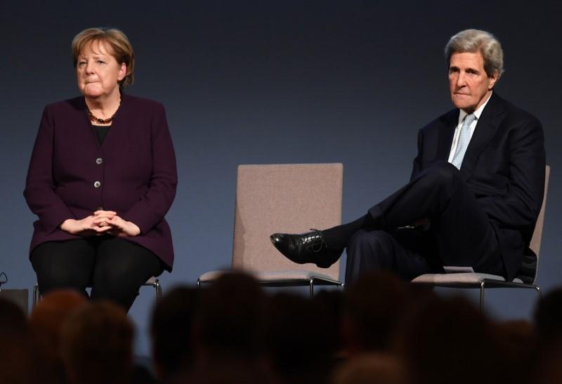 Dont shun China, urges Merkel at American prize ceremony