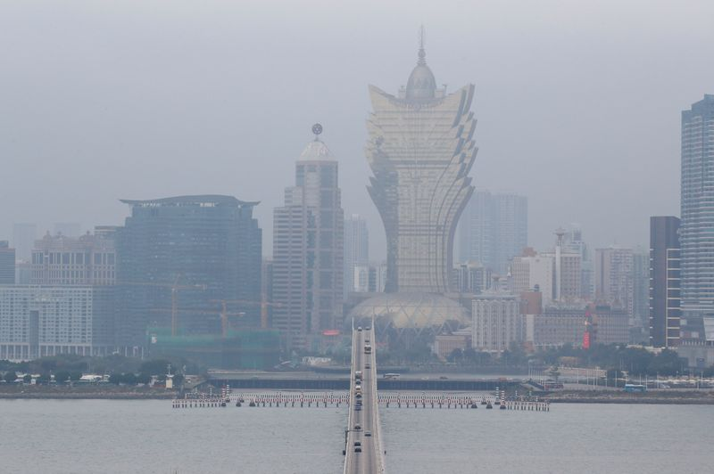 China virus turns Macau into gambling ghost town