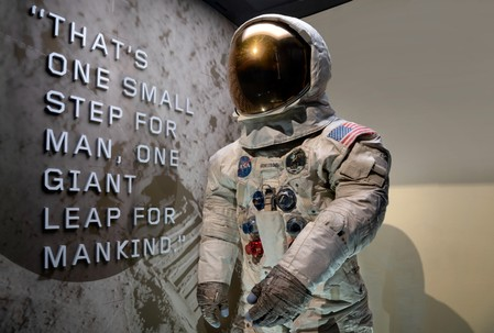 Neil Armstrongs Apollo 11 spacesuit unveiled at Smithsonian