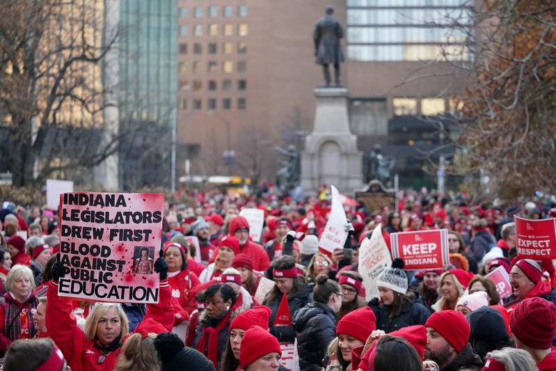 Indiana teachers use outside voices to demand higher wages