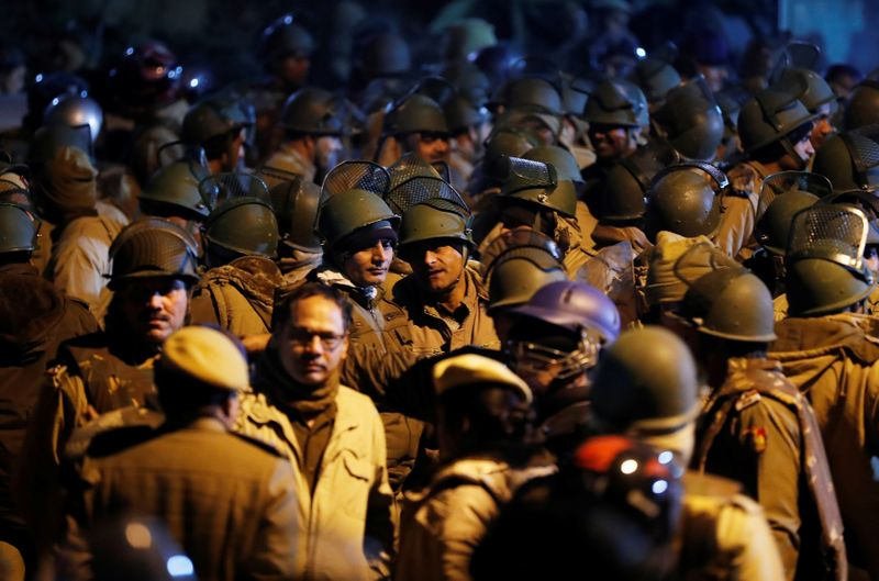 Students, youth wing of pro-ruling party outfit clash in Indias capital