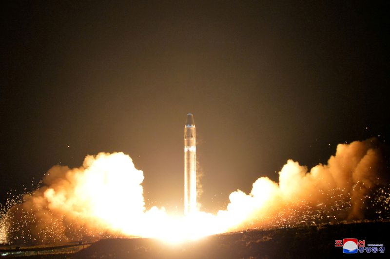U.S. defense secretary urges North Korea to negotiate on denuclearization
