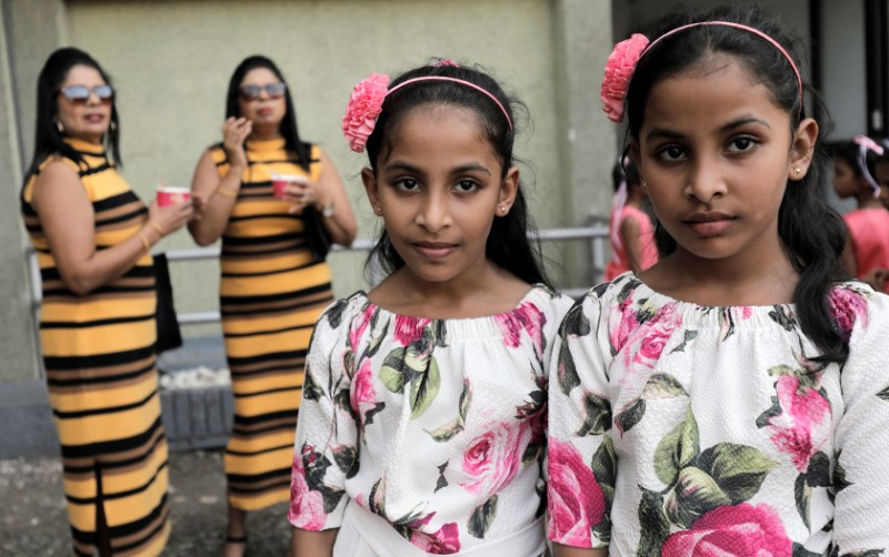 Double trouble: Sri Lankas twin gathering marred by overcrowding