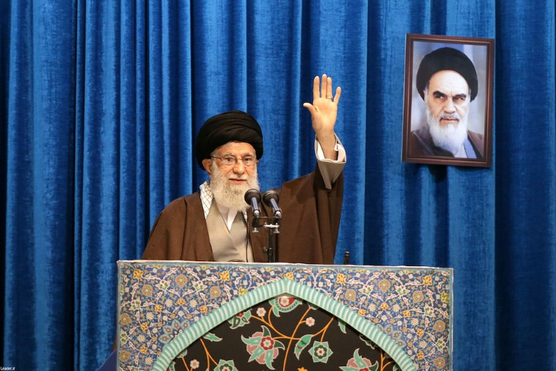 Irans Khamenei stands by Guards after unrest over downed plane