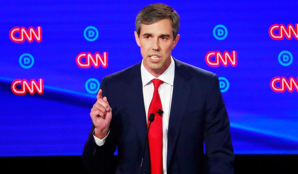 Beto Slams Warren's 'Mistaken' Call to Decriminalize Border Crossings