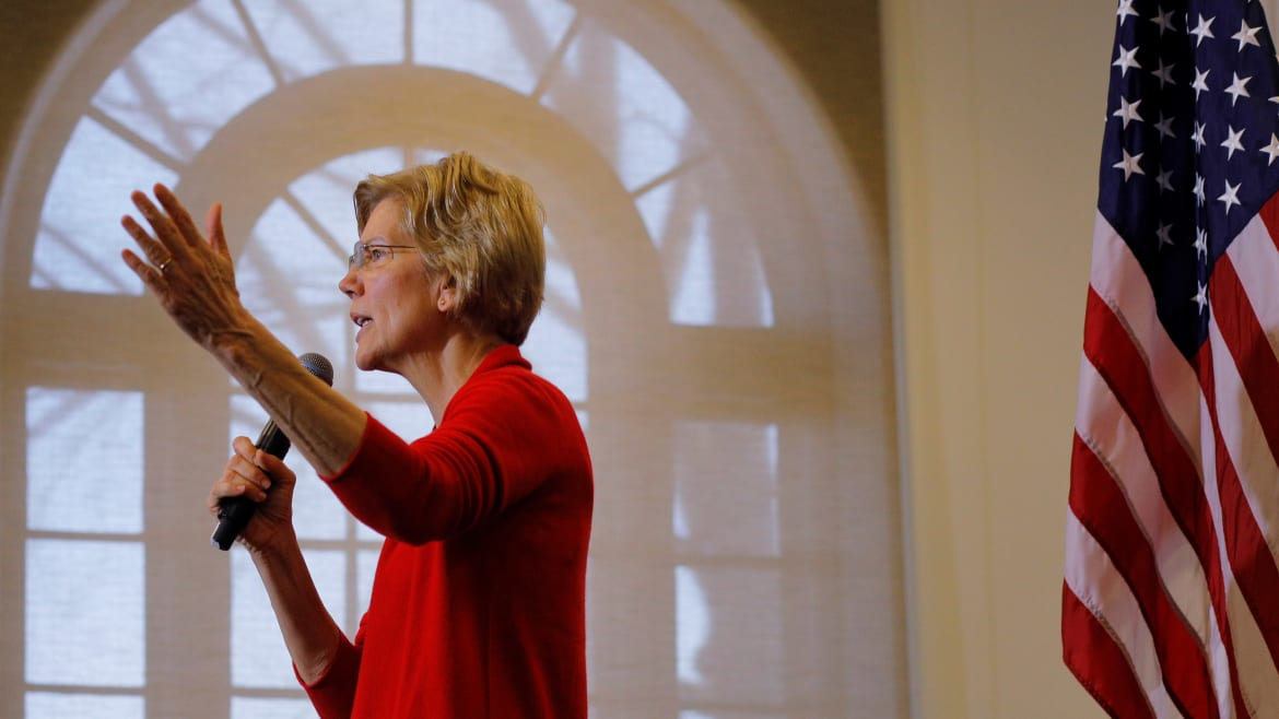 Warren Goes After Trump's Sister in Anti-Corruption Push