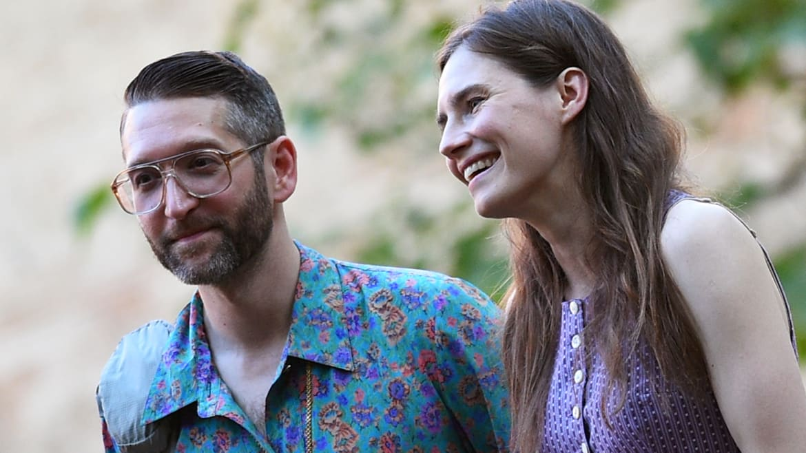 Amanda Knox Is Asking for Money for a Wedding but She's Already Married