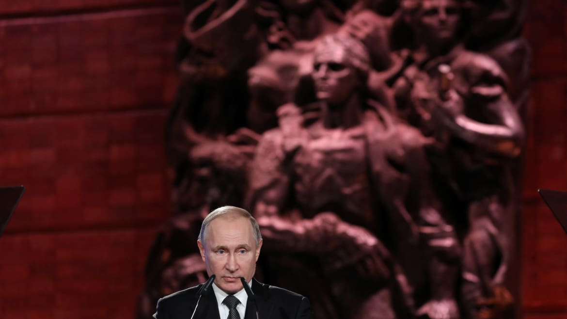 Behind The Auschwitz Commemorations, A Raw Putin Power Play