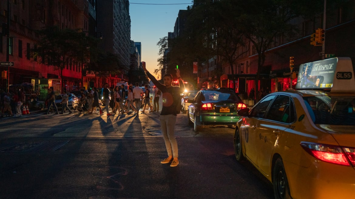 Manhattan Gets Power Back After Blackout Chaos