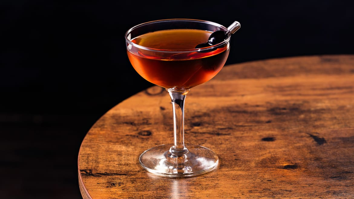Is There a Right Way to Make a Manhattan Cocktail?