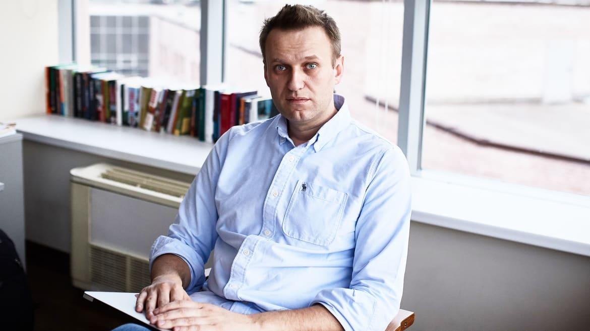 Moscow Cops Raid Offices of Putin Opponent Alexei Navalny, Who Just Won't Quit