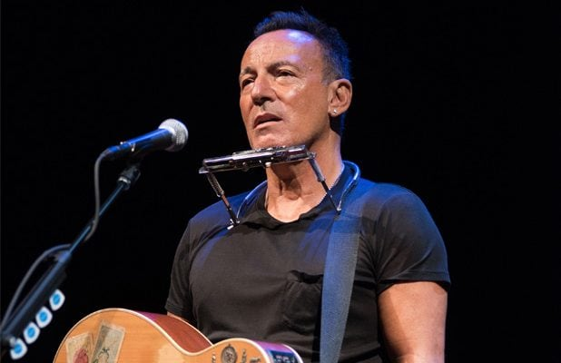 Bruce Springsteen Urges Voters to Remove 'the Bums' From the White House