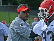 Tracy Rocker on the defensive line