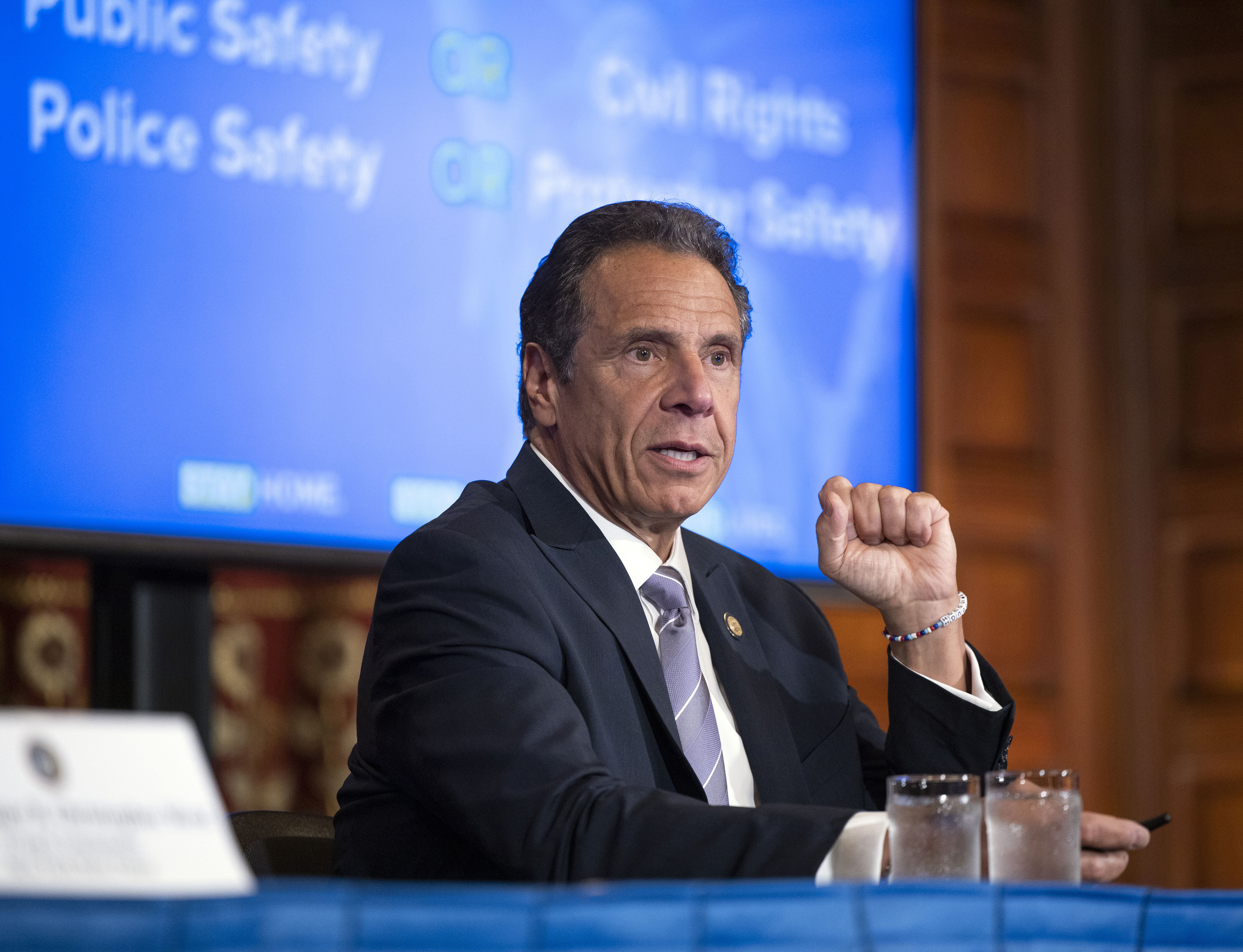 Gov. Cuomo applauds NYs still-dropping coronavirus numbers, says hes alarmed by states with rising cases