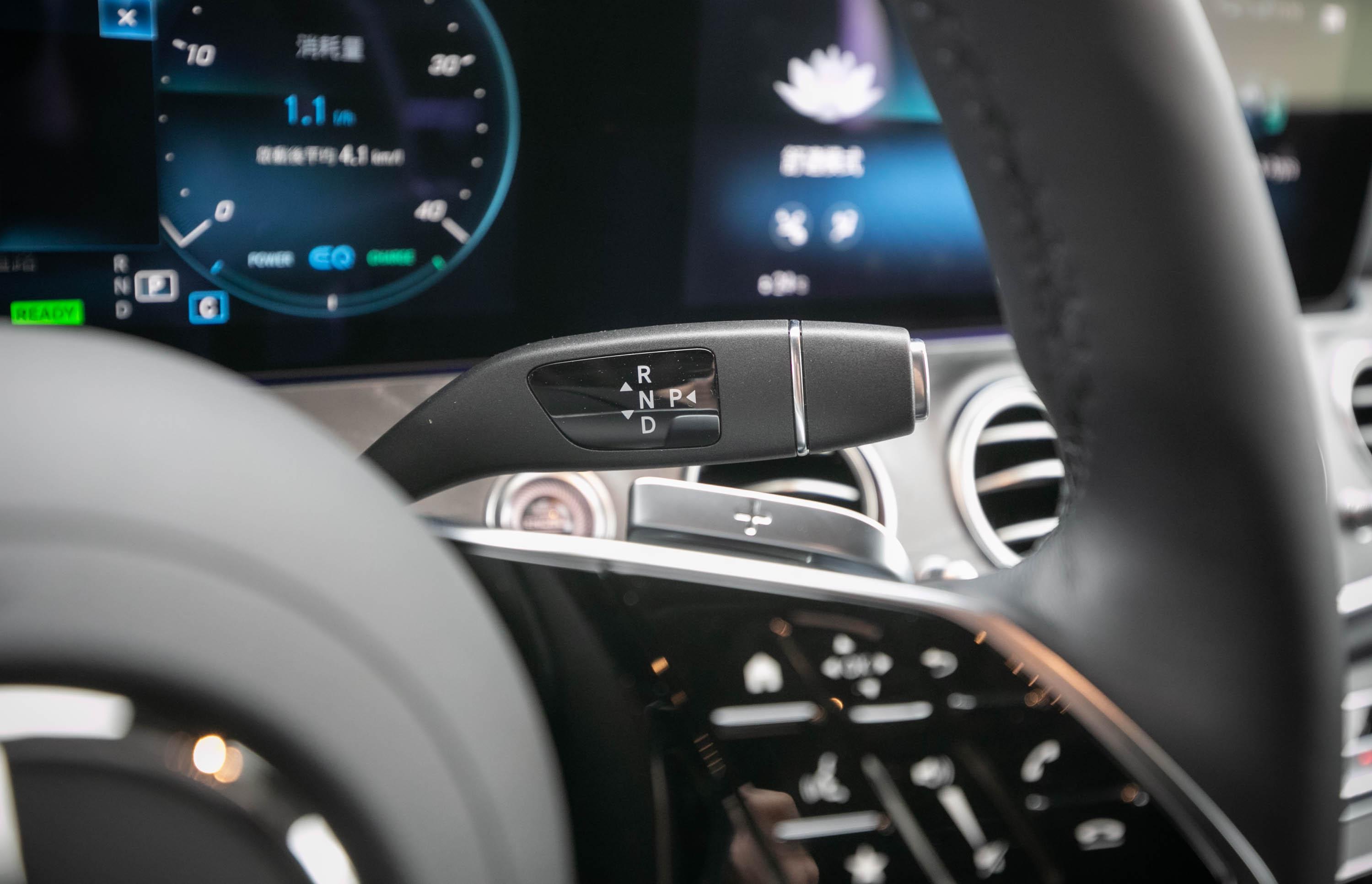 配備 9G-Tronic 九速手自排變速箱。