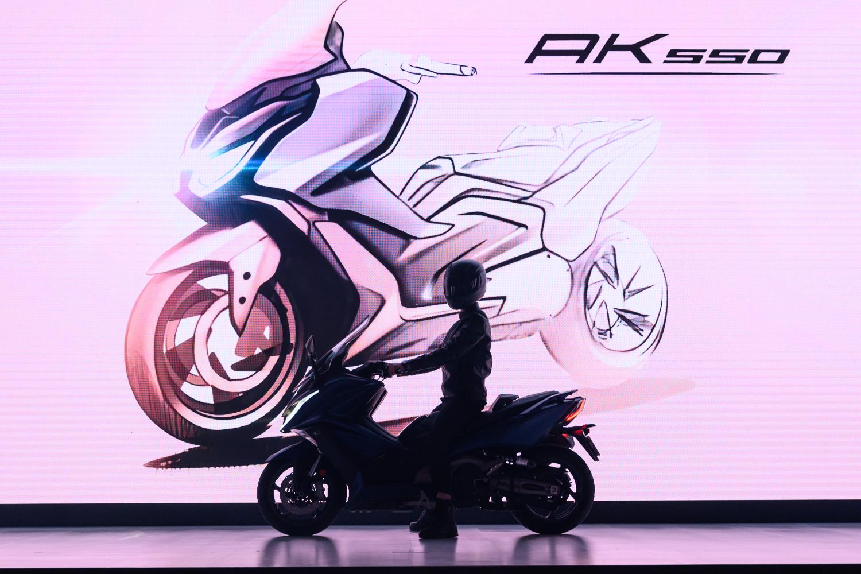 8. Kymco AK 550 是品牌五十週年慶發表的品牌旗艦車款。