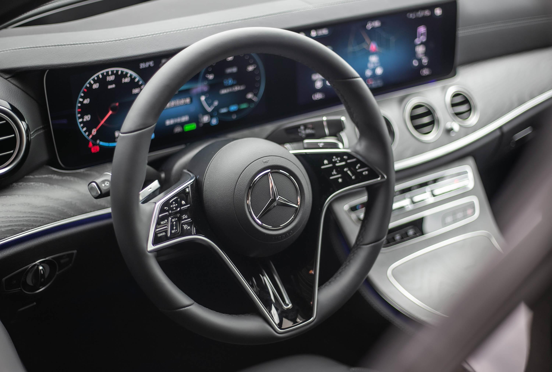 全新造型的方向盤可說是內裝改款的亮點。