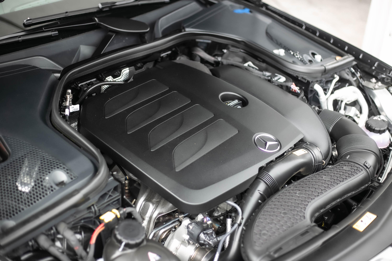 搭載 2.0 升直列四缸渦輪增壓汽油引擎,可輸出 258hp/5800~6100rpm 最大馬力與 370Nm/1650~4000rpm 最大扭力,並可透過 Turbo EQ Boost 技術,提供額外 14hp 馬力。