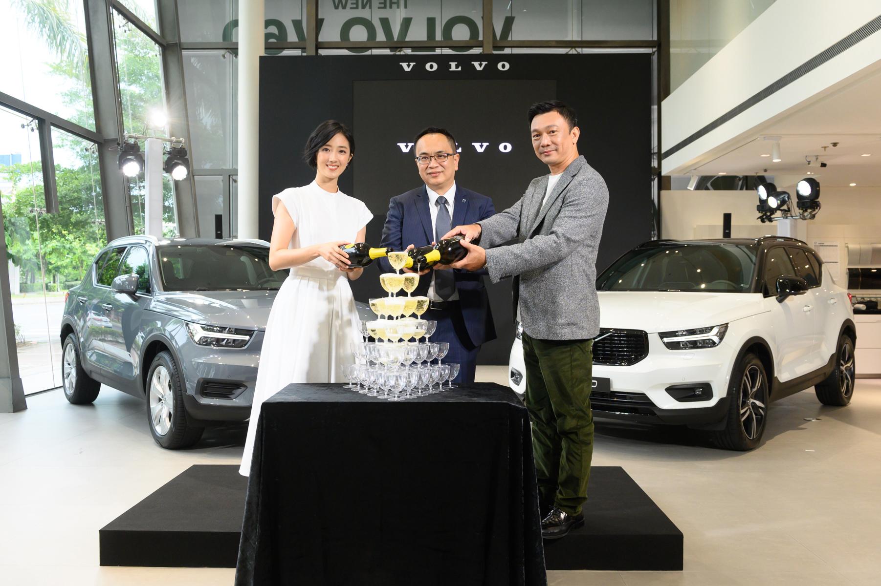 由左至右為桂綸鎂、國際富豪汽車總裁陳立哲與黃信堯導演。