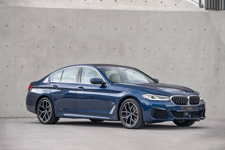 全新 BMW 5系列,本月份入主享 180 萬 60 期 0 利率專案或尊榮租賃專案(含 3 年租賃 0 利率)以及 1 年乙式全險。