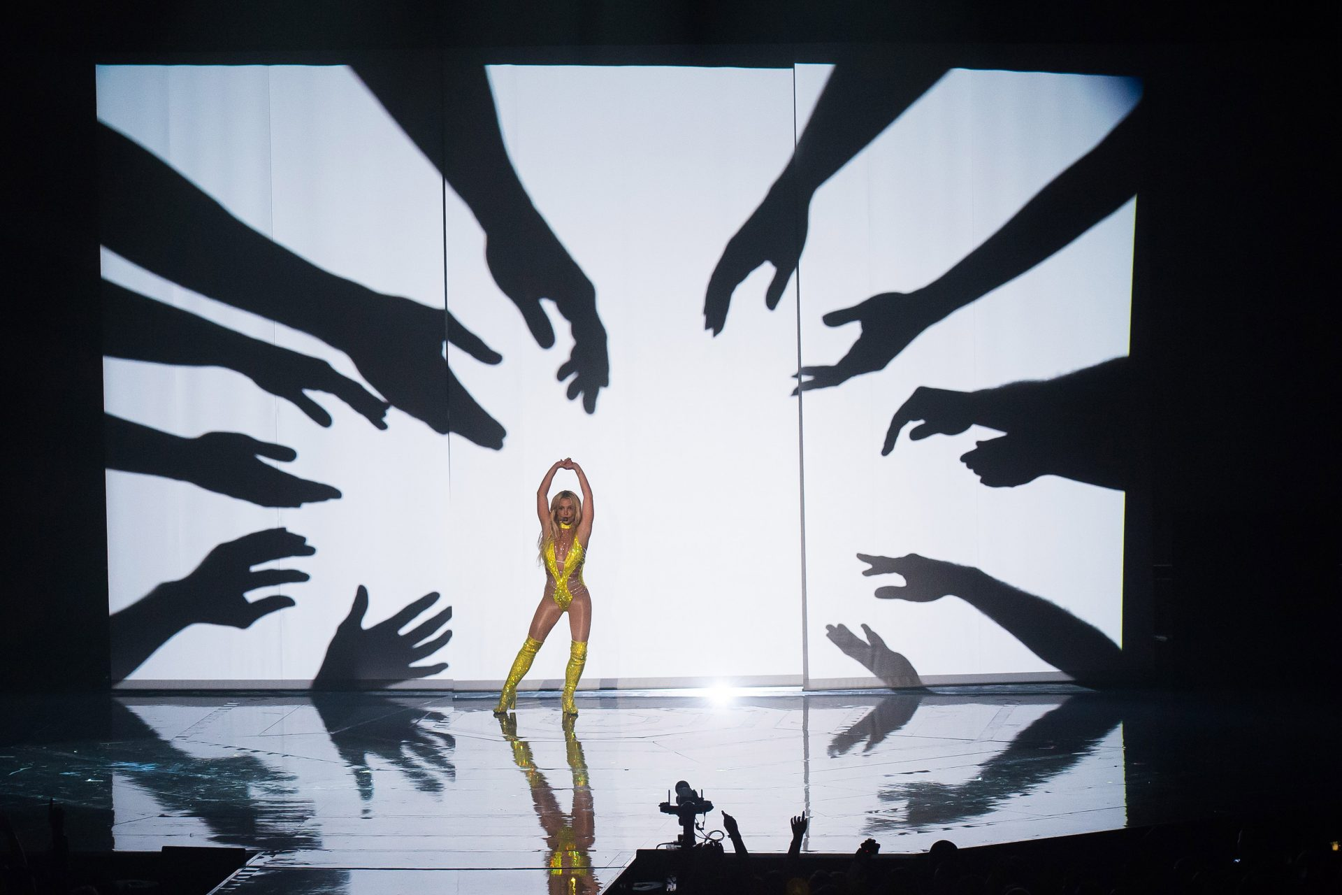 Mandatory Credit: Photo by Charles Sykes/Invision/AP/Shutterstock (9053195cw)Britney Spears performs at the MTV Video Music Awards at Madison Square Garden, in New York2016 MTV Video Music Awards - Show, New York, USA.