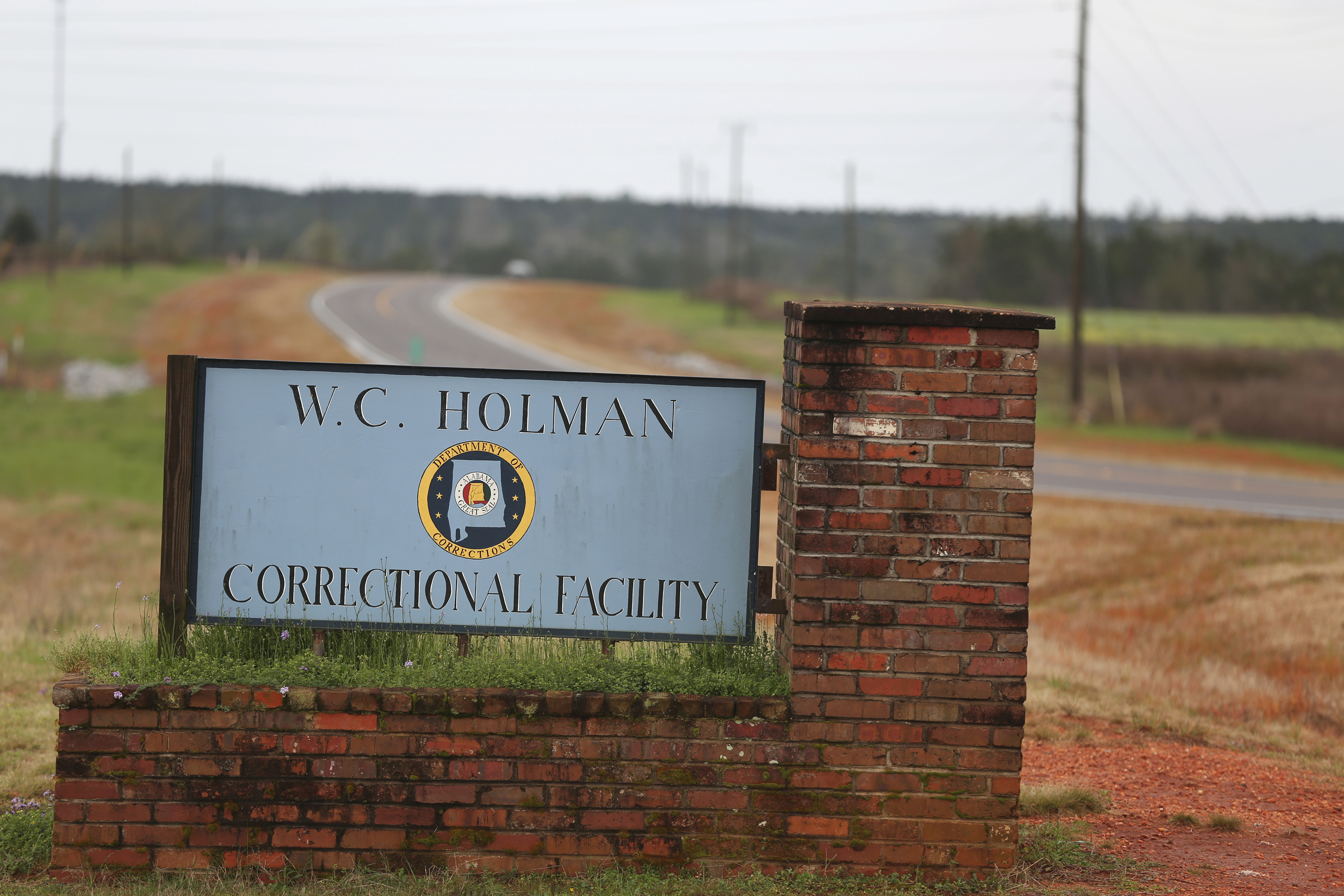 Alabama to shutter aging, dilapidated prison