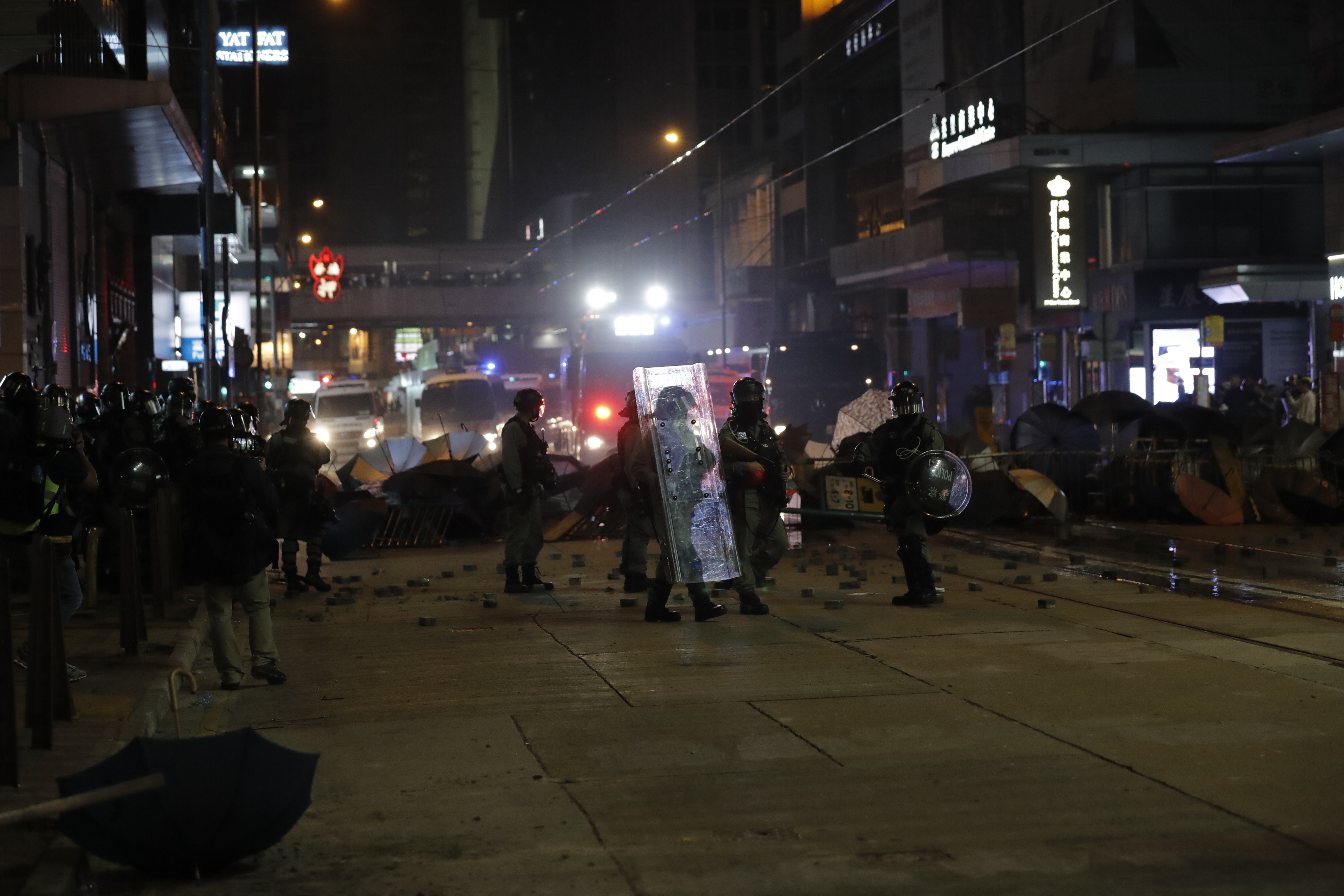 Police, protesters clash in New Years rally in Hong Kong