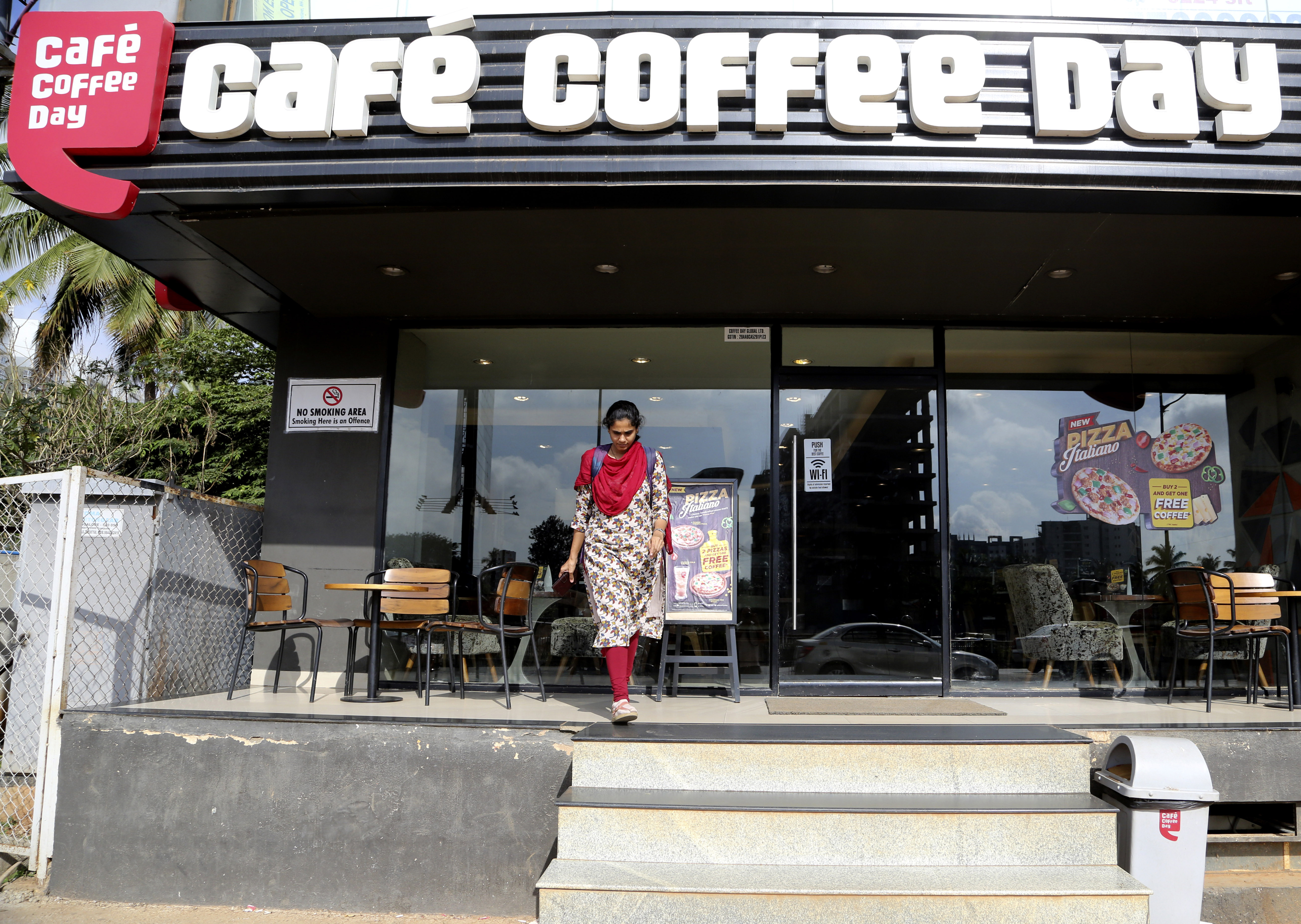 Police find body of Indian coffee shop chain owner in river