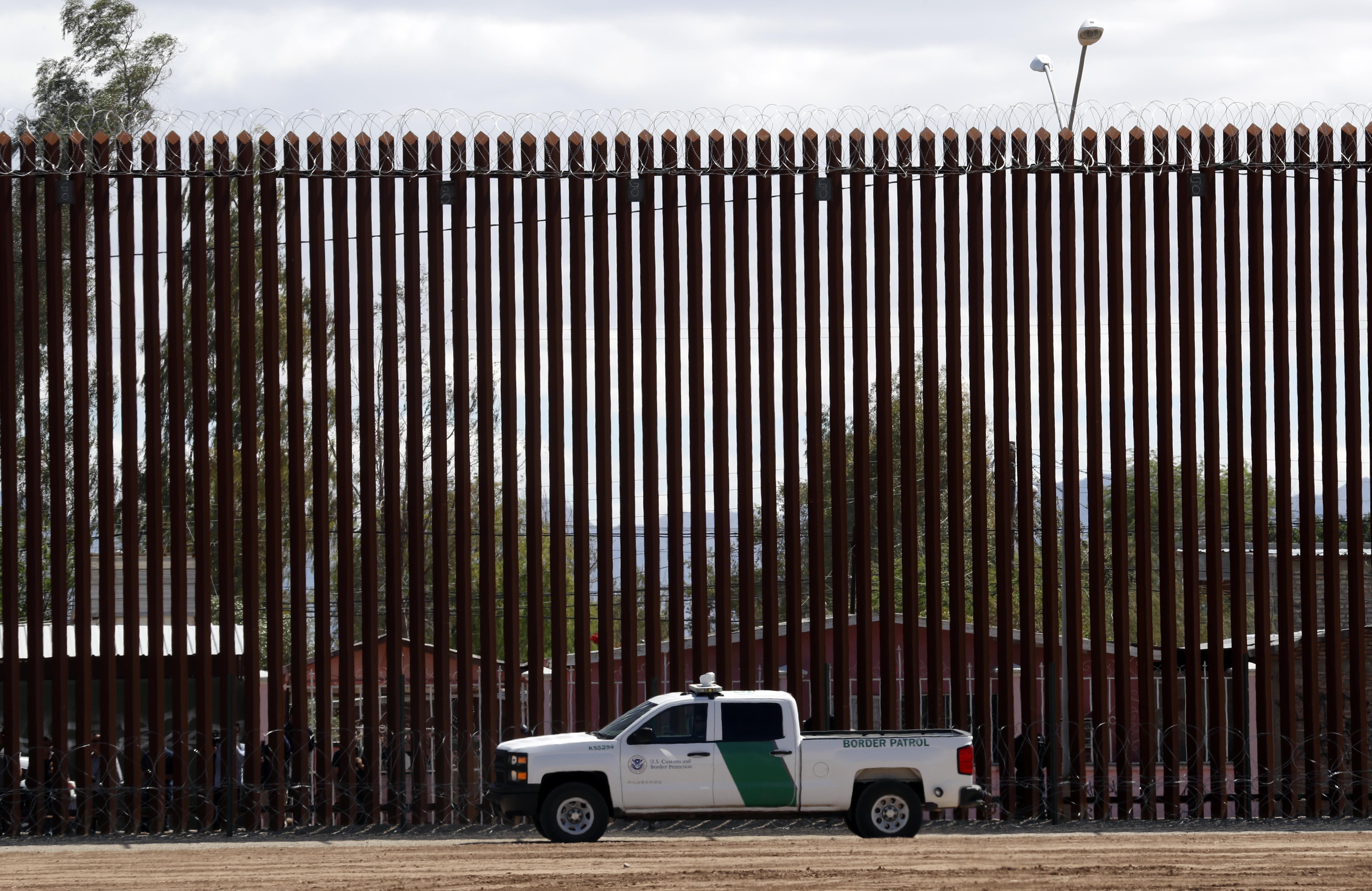 Trump asks Supreme Court to unfreeze border wall money
