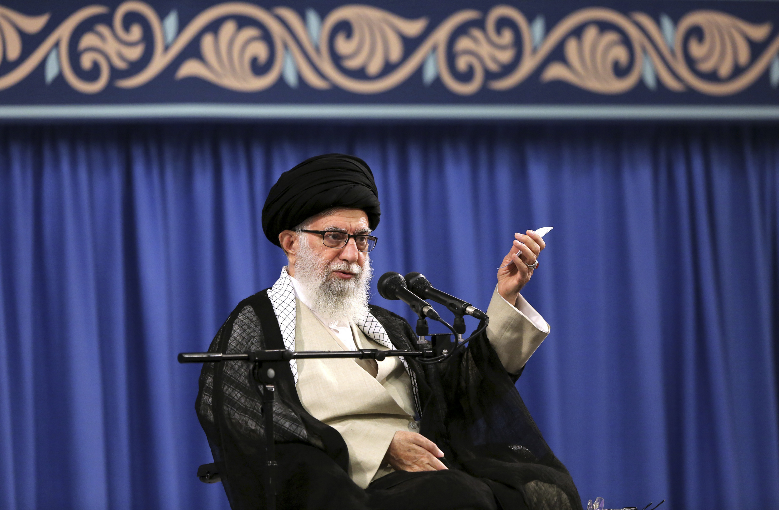 Irans supreme leader vows not to give up on Palestine