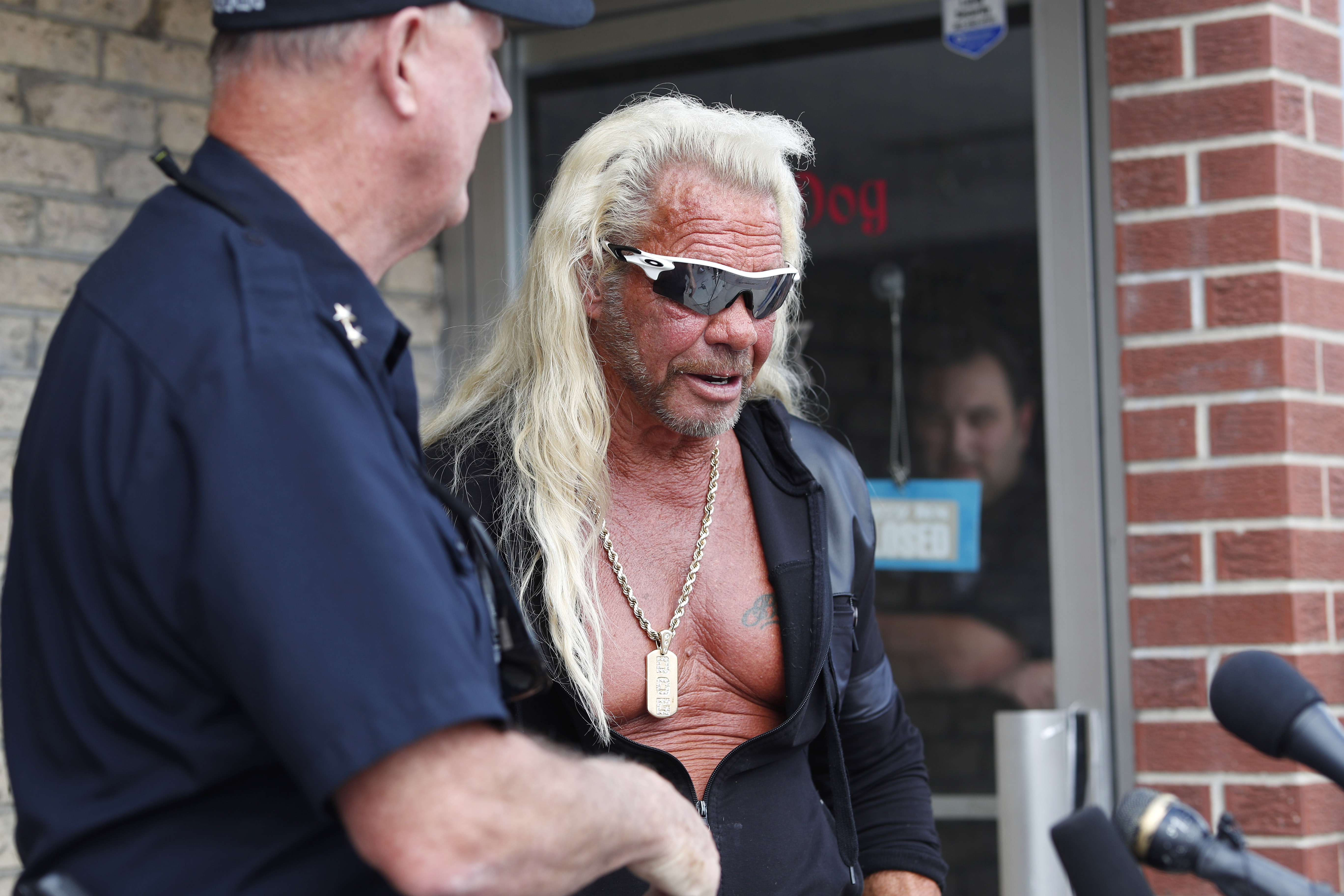 Duane Dog Chapman urges burglary suspect to surrender