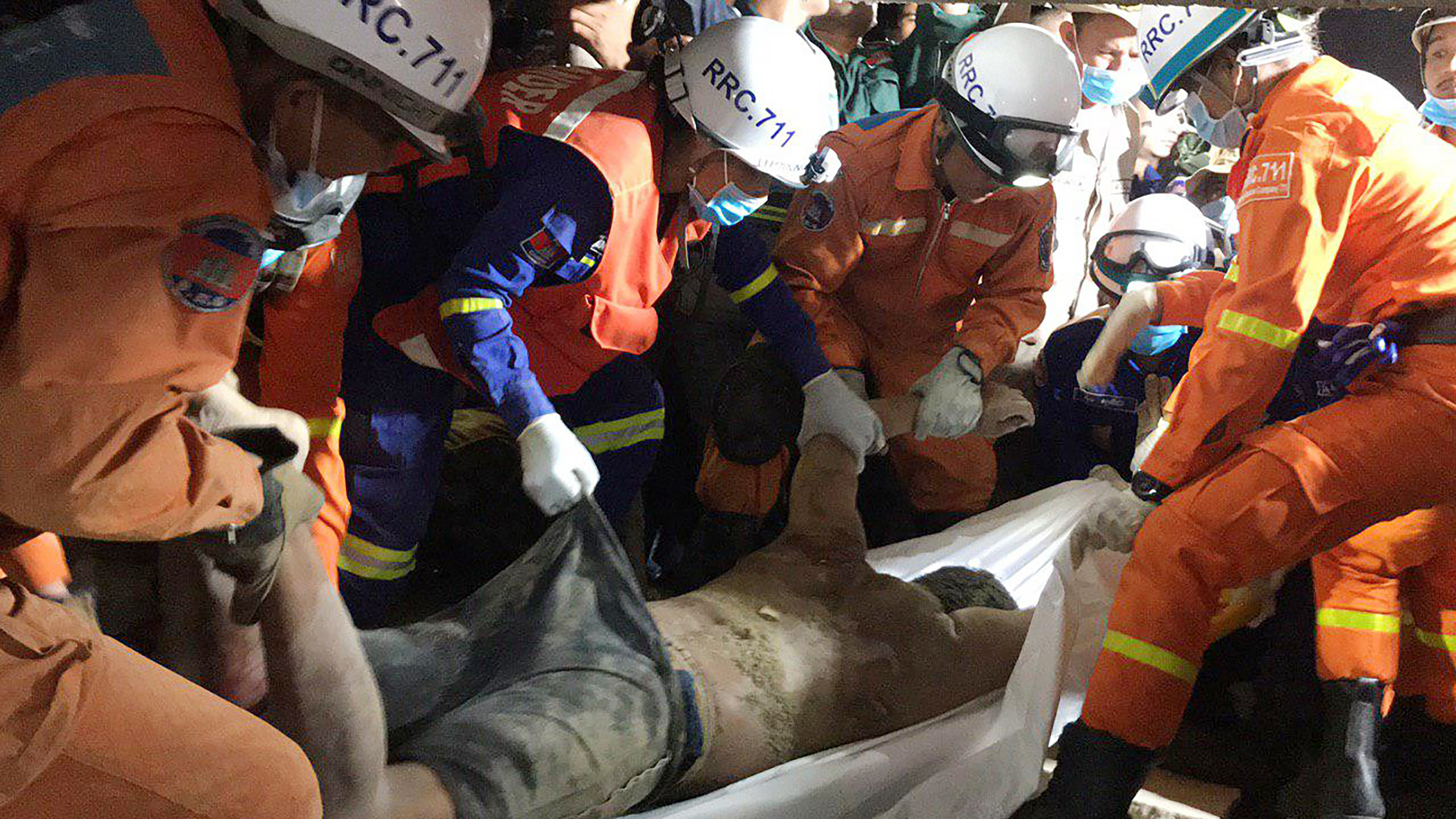 Search in Cambodia resumes after building collapse kills 5