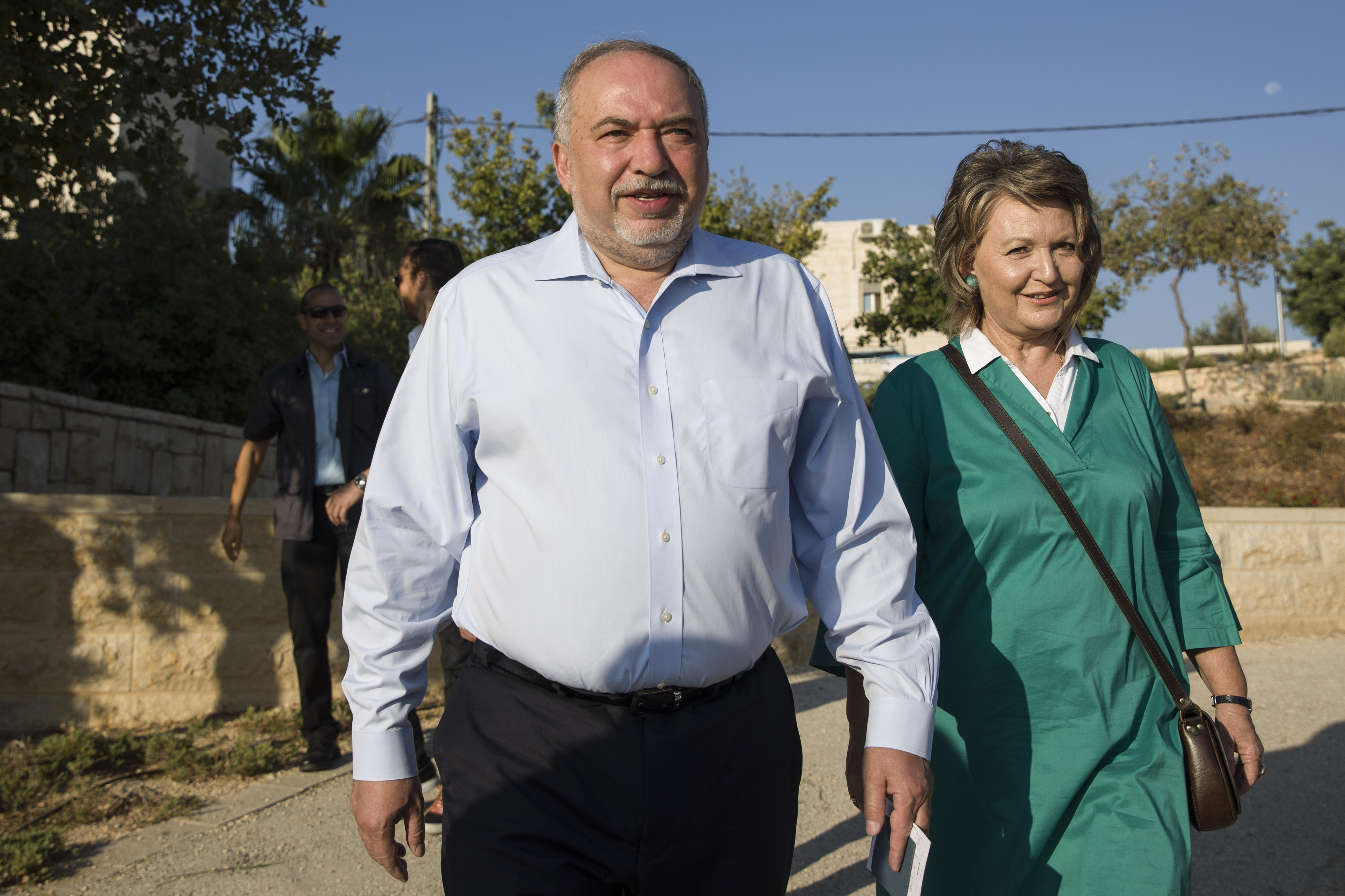 Gamble pays off for Lieberman, who becomes Israeli kingmaker