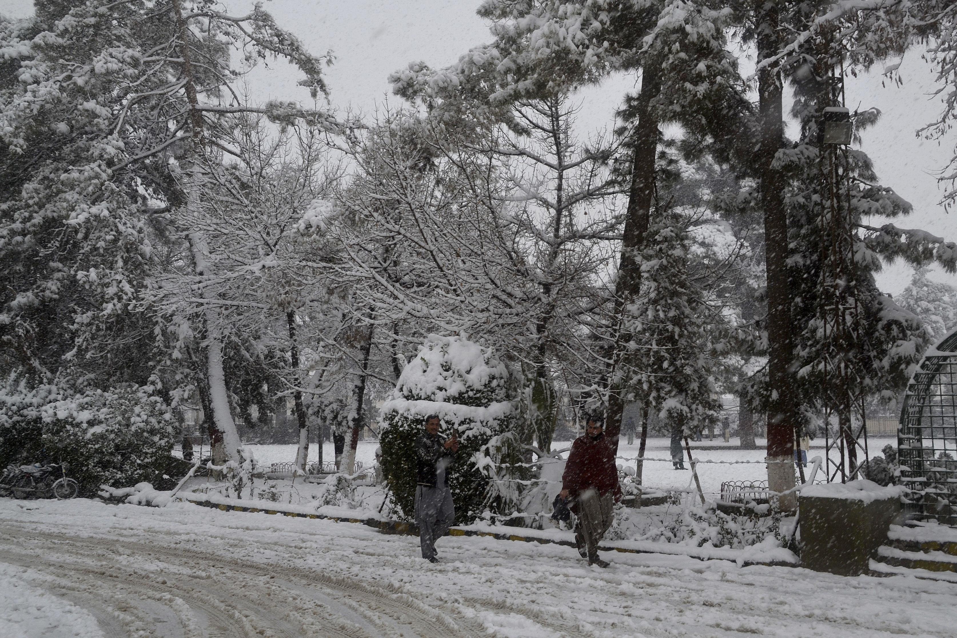 Severe weather in Afghanistan, Pakistan leaves 48 dead