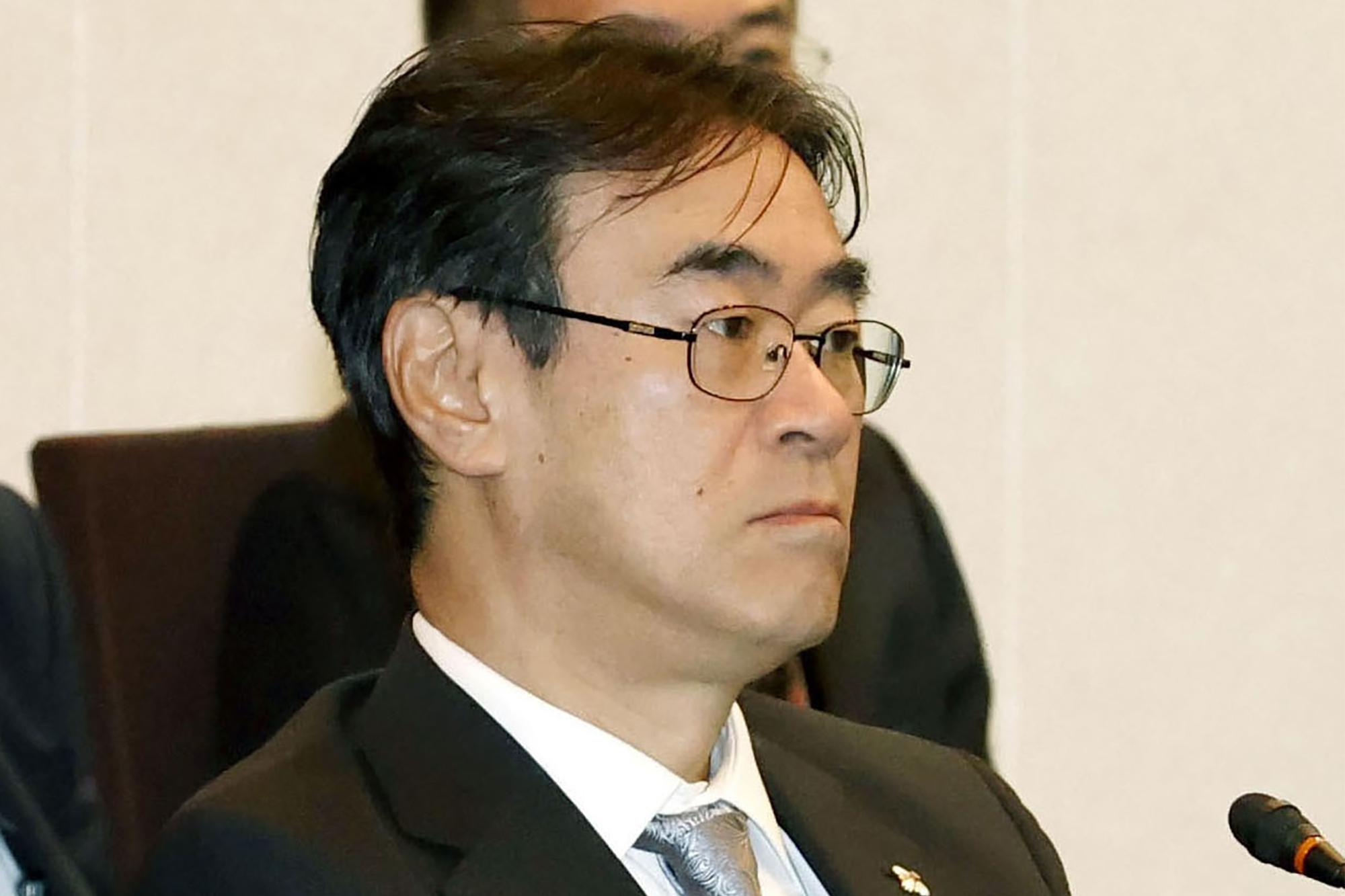 Japan prosecutor seen close to Abe quits in gambling scandal