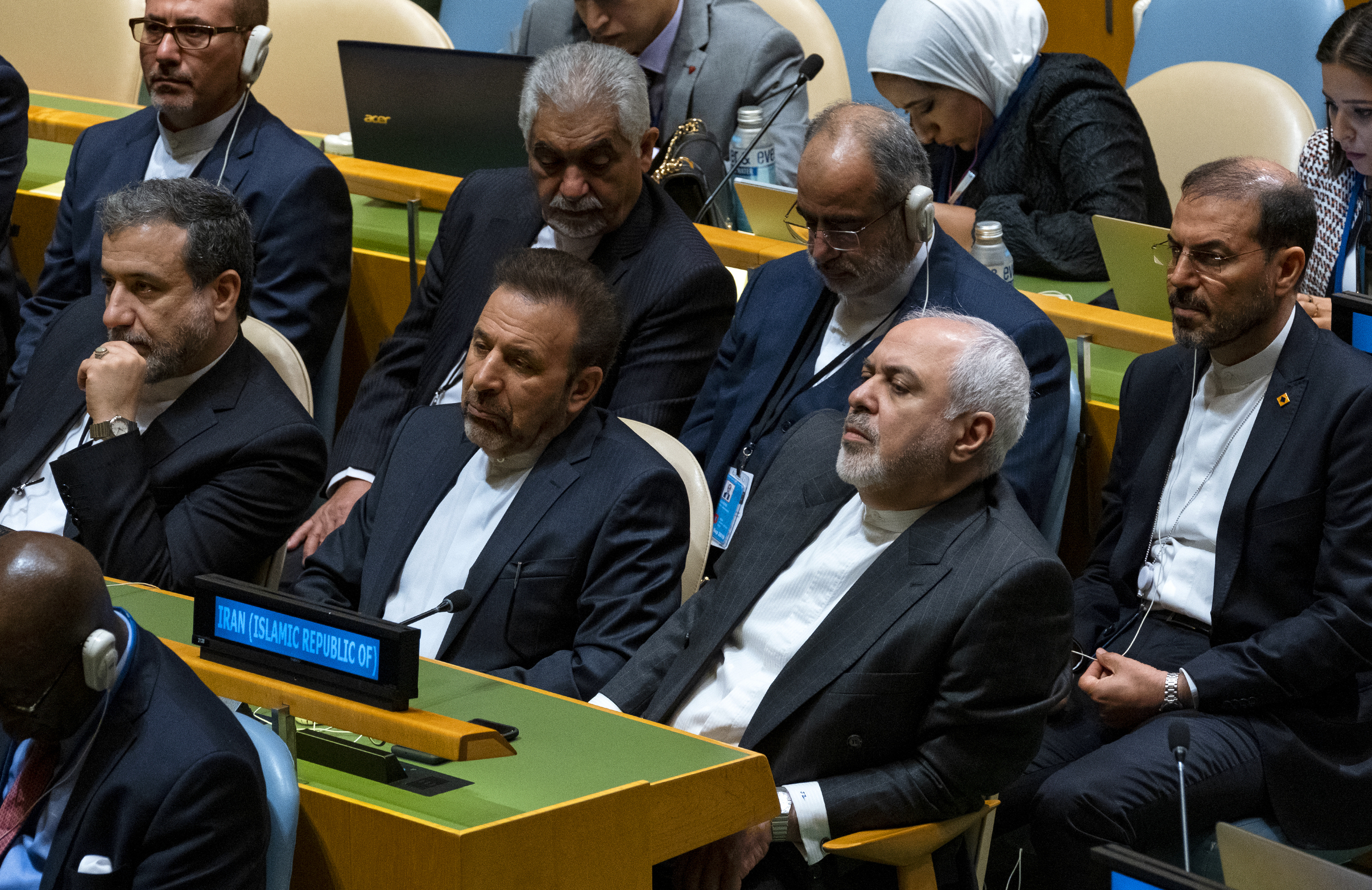 US: Zarif can visit sick colleague after Iran frees American