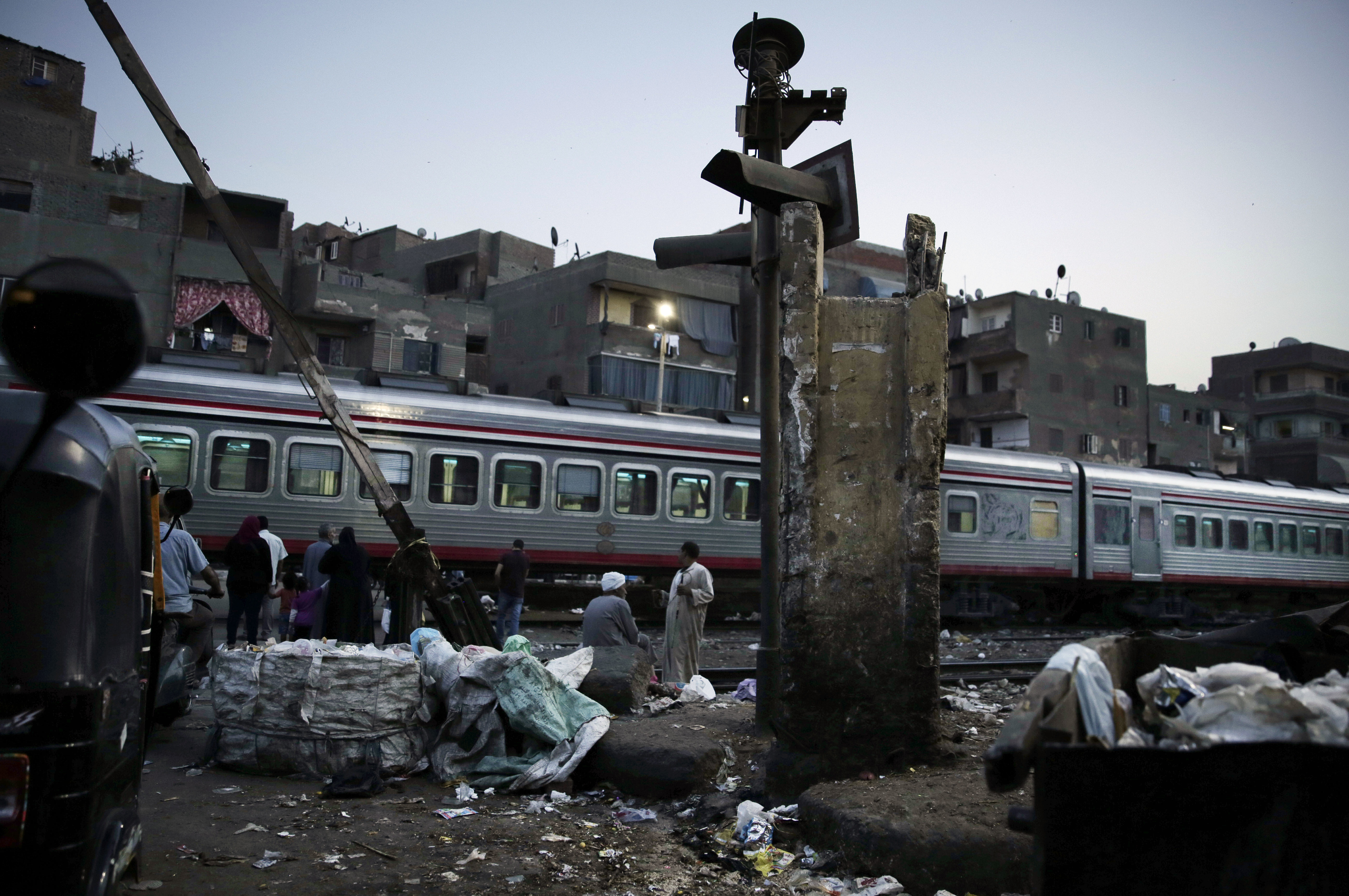 Egypt arrests train conductor after youth jumps to his death