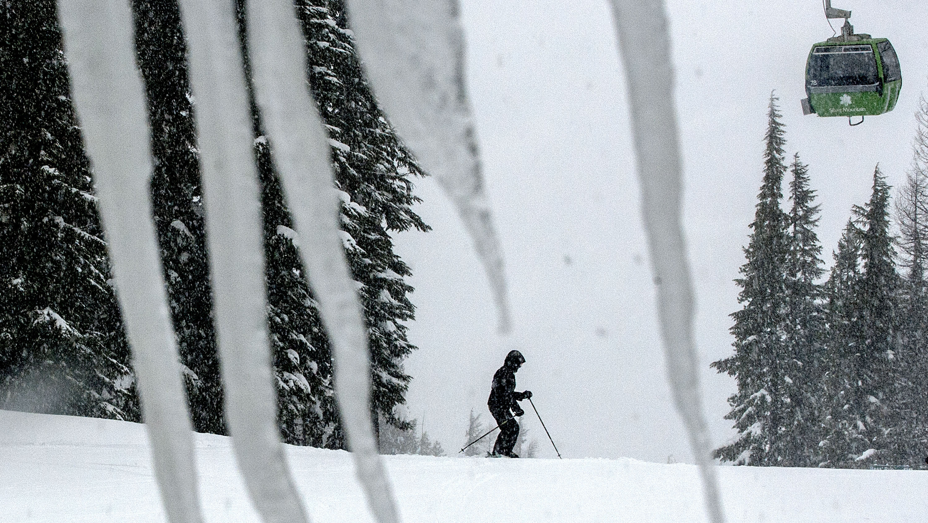 1 skier still missing after deadly avalanche at Idaho resort