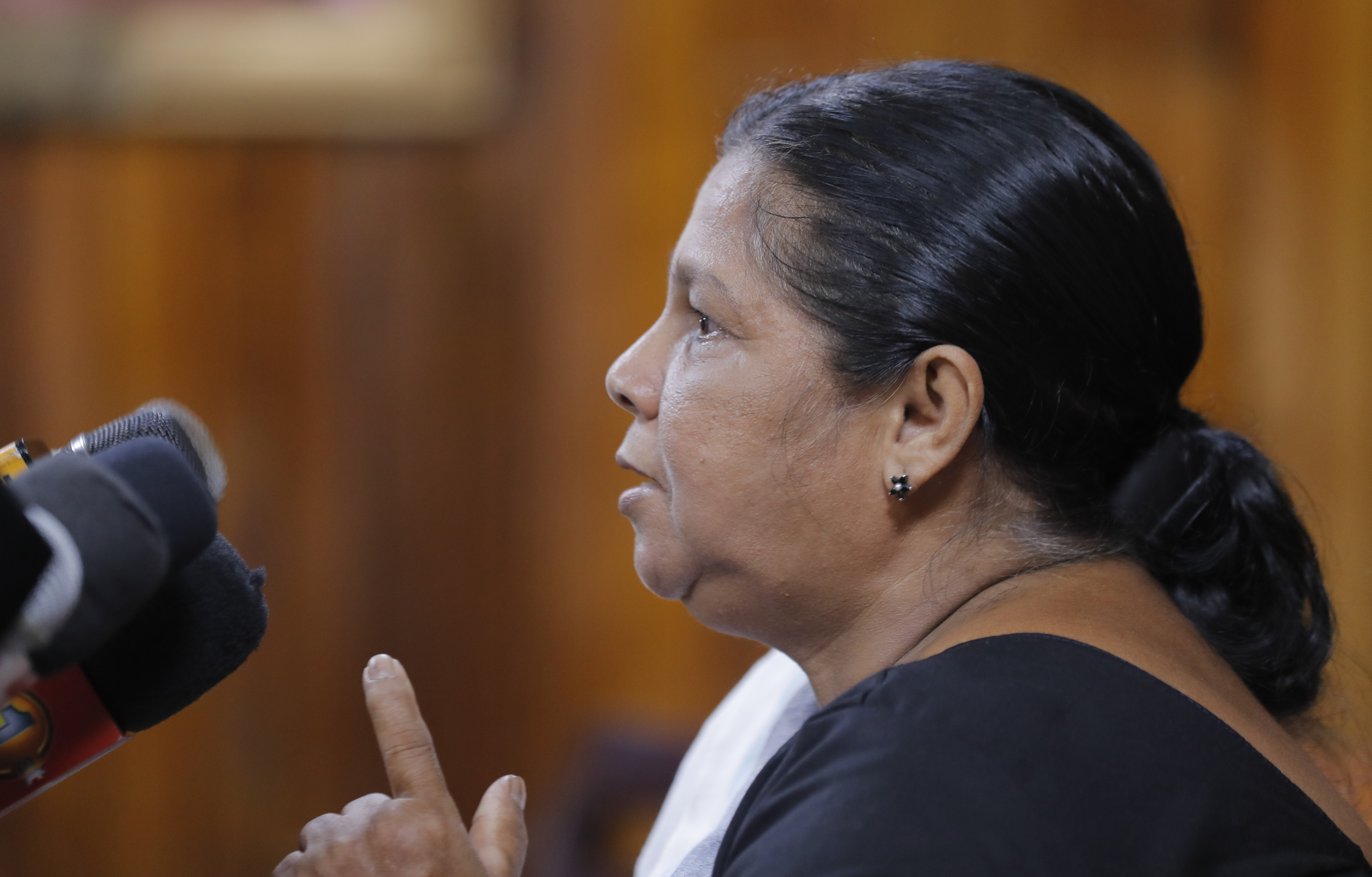 Abducted Sri Lanka journalists wife: Military derails case