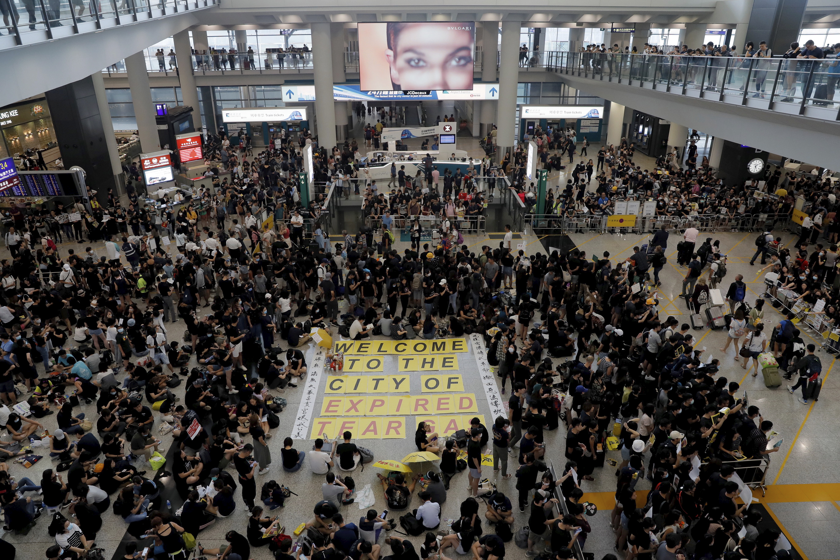 As protesters scatter, Hong Kong residents take their place