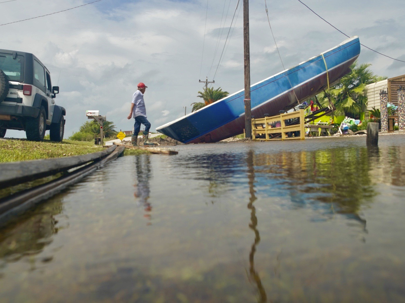 Its bad: Hundreds of water rescues as Imelda soaks Texas